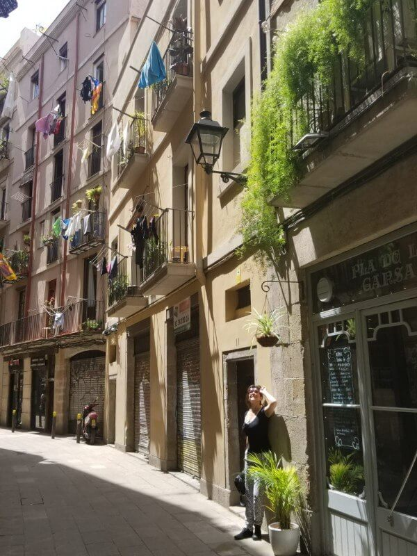 picture of Barcelona, Spain alley-way