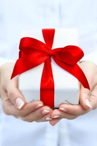 picture of red ribbon gift