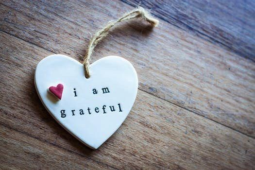 "picture of phrase ""i am grateful"""